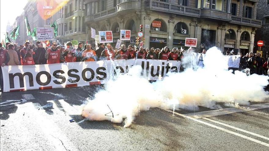 La Generalitat confirma que los funcionarios perderán una paga extra en 2013