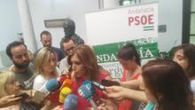 """Susana Díaz se presenta """"con ilusión"""" para revalidarse como líder del PSOE de Andalucía"""