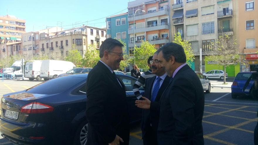 Ximo Puig a su llegada a Alicante