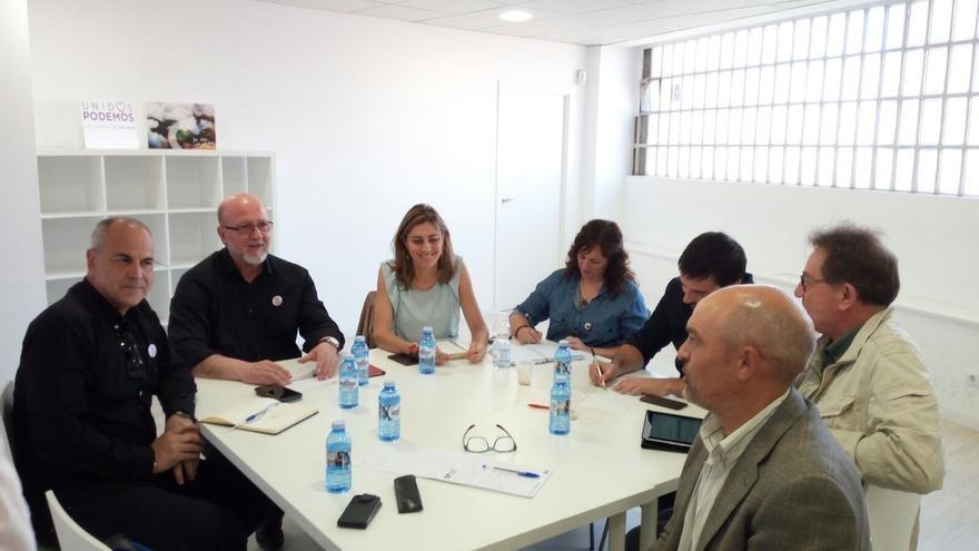 """CCOO y UGT respaldan la moción de censura de Podemos contra Cifuentes, porque PP está de corrupción """"hasta las cejas"""""""