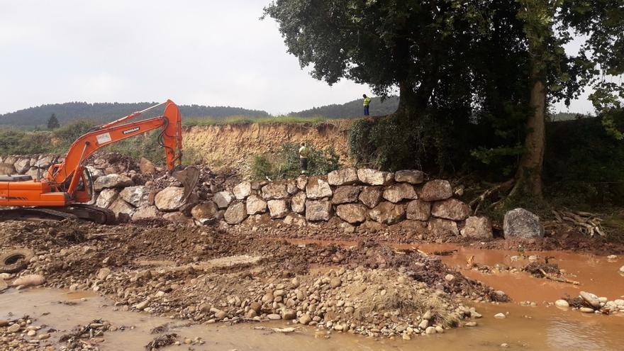La CHC concluye retirada de depósitos acumulados en el río Pas, en Piélagos