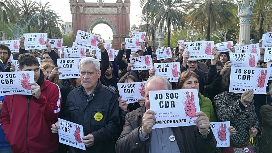 Activistas de los CDR en el Arco del Triumfo de Barcelona