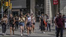 Los rebrotes disparan el número de contagios semanales hasta rozar los 3.000, la cifra más alta desde finales de mayo