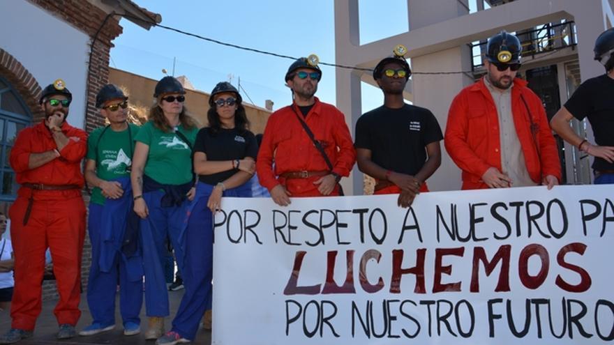 Los encerrados en la mina de Almadén, tras su salida