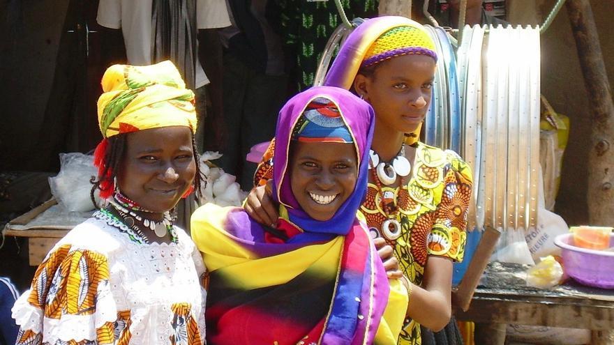 Burkina Faso prohíbe la mutilación genital femenina, pero las niñas de este país todavía sufren esta práctica.