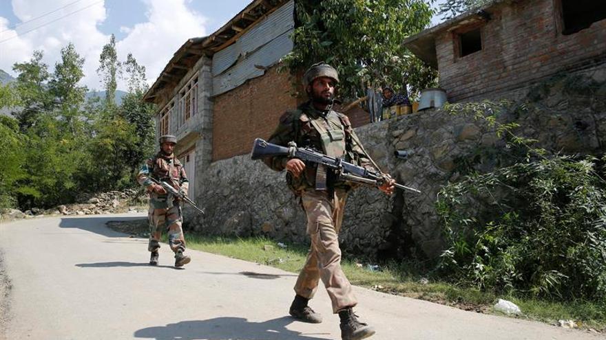 """La India presenta la """"prueba"""" a Pakistán del ataque con 18 muertos en Cachemira"""
