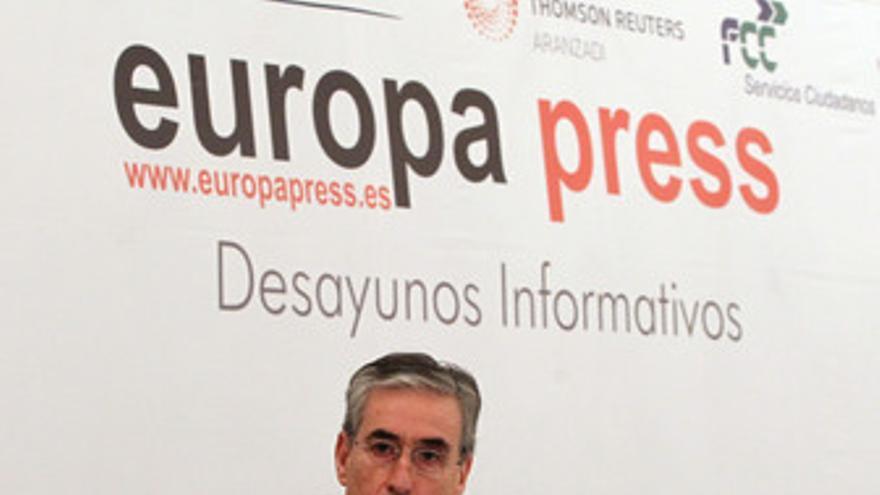 Ministro de la Presidencia, Ramón Jáuregui, en los Desayunos de Europa Press