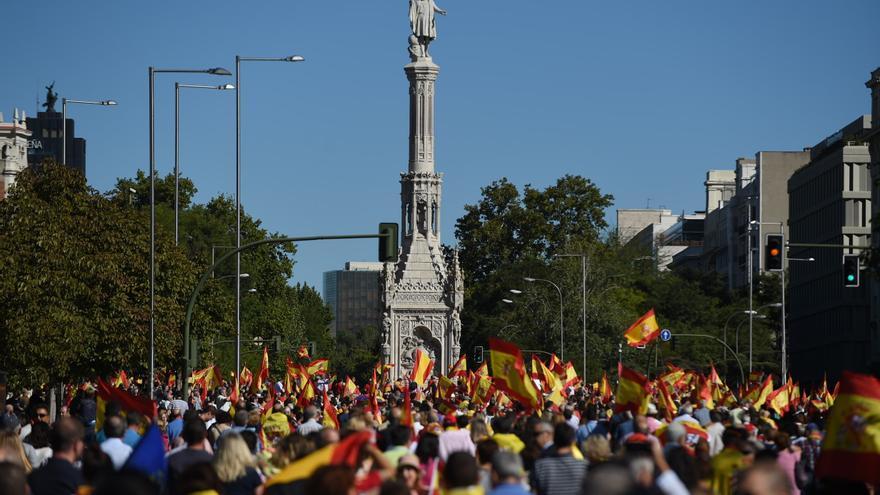 Miles de personas se concentran en la Plaza de Colón a favor de la unidad de España