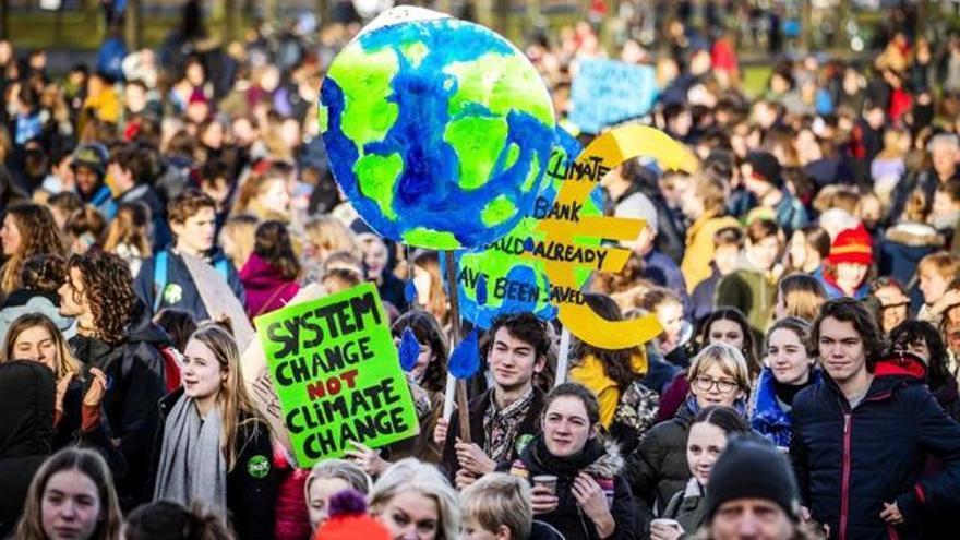 Concentración estudiantil contra el cambio climático.