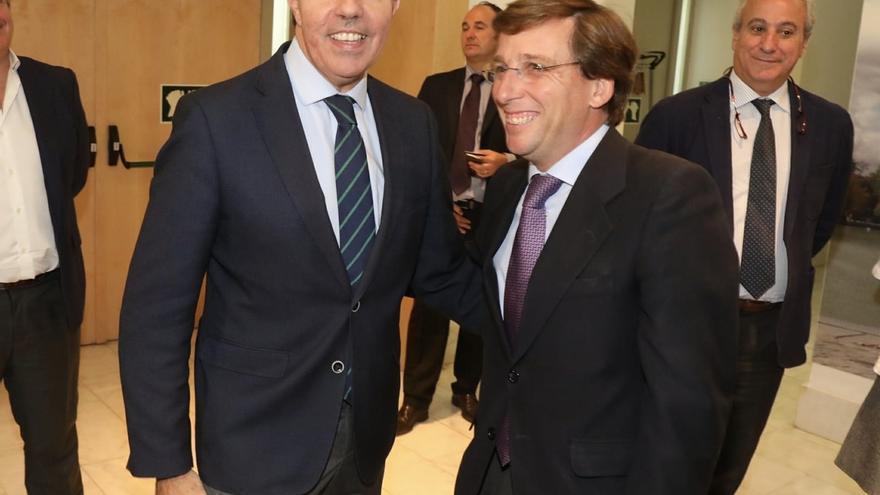 El presidente de la Comunidad de Madrid, Ángel Garrido, y el portavoz del PP en el Ayuntamiento, José Luis Martínez Almeida.