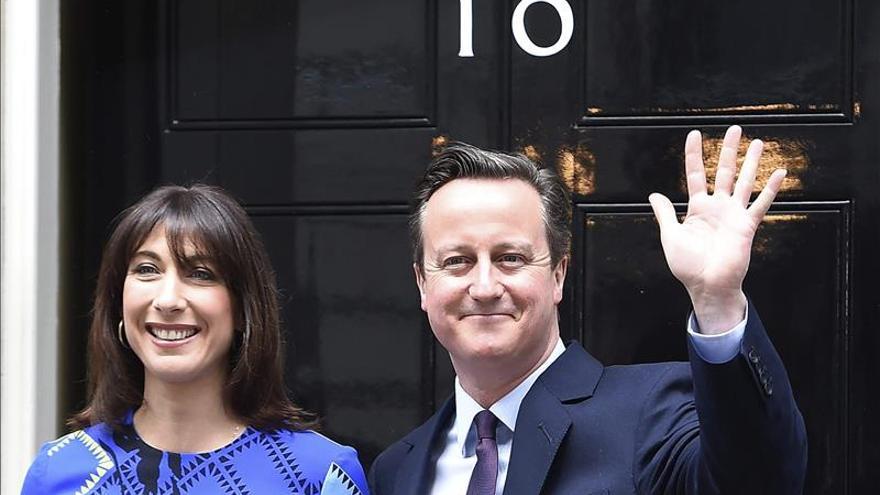 Cameron y su mujer Samantha no tendrán que cambiar de domicilio.