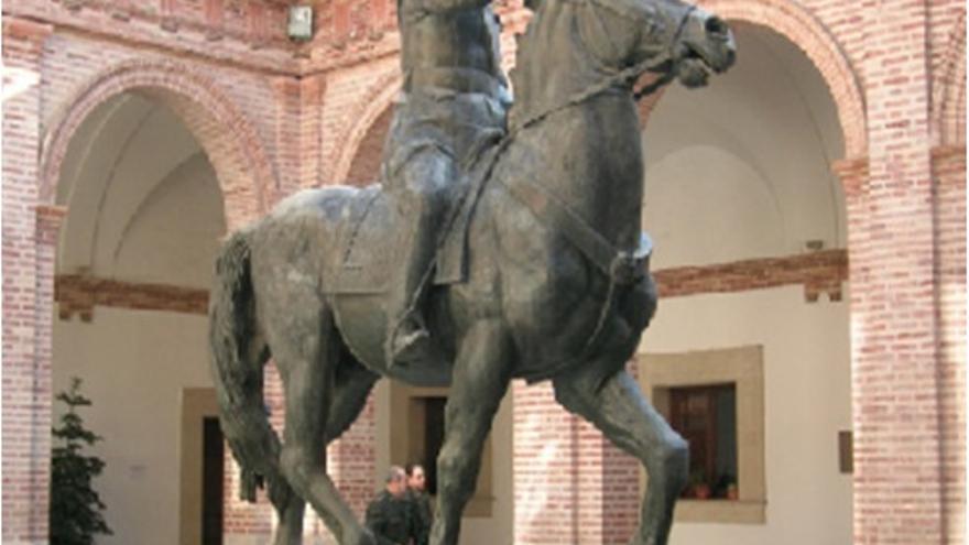 Estatua de Franco que se encontraba en la Capitanía General de Valencia hasta 2010