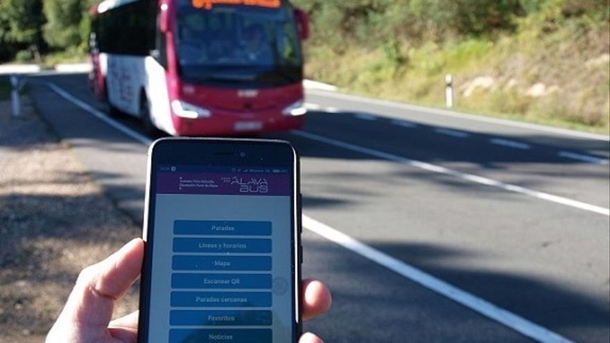 La aplicación de transporte foral de Álava, disponible para los dispositivos móviles Apple