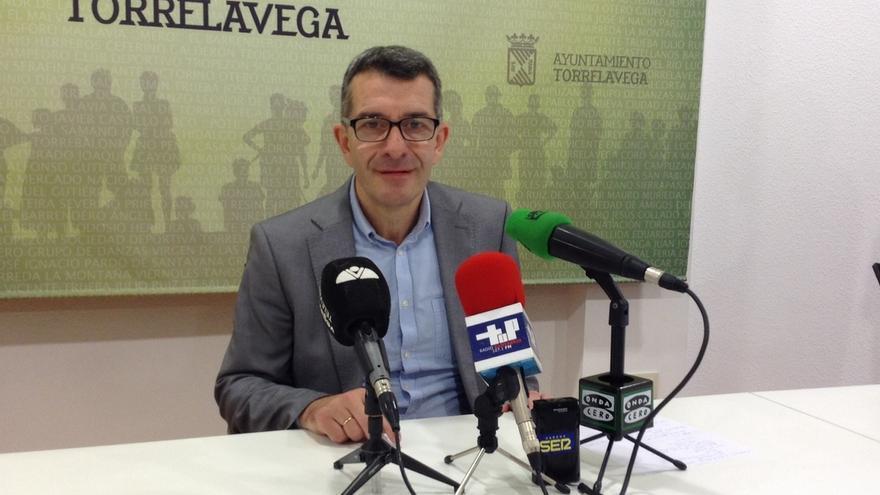 PSOE-PRC proponen bonificar al 50% y 90% el impuesto de obras y las licencias para VPO