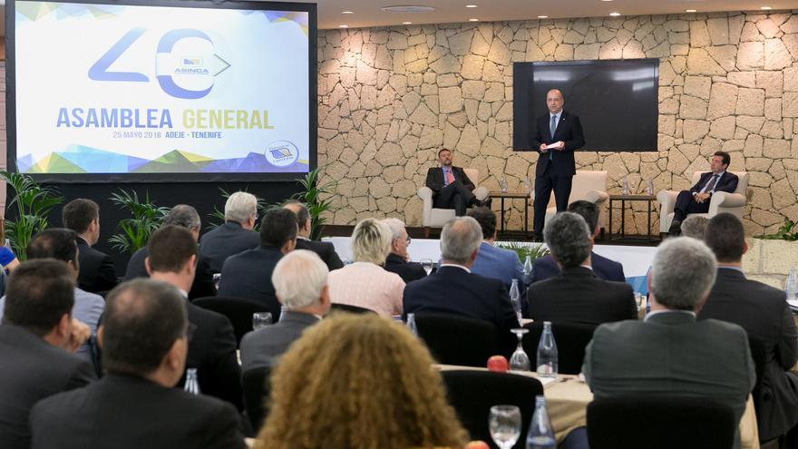 Momento de la intervención de Pedro Ortega, este viernes en el hotel Bahía del Duque