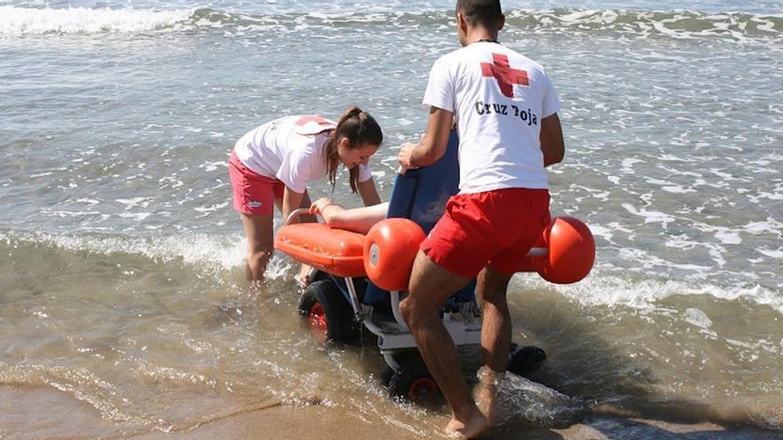 Servicio de baño adaptado de la Cruz Roja