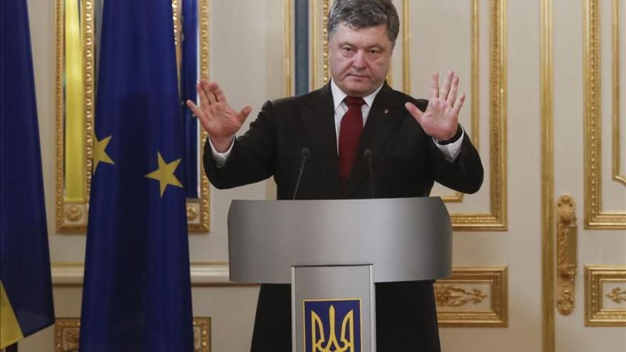 Poroshenko rechaza la participación rusa en fuerzas de pacificación en Ucrania