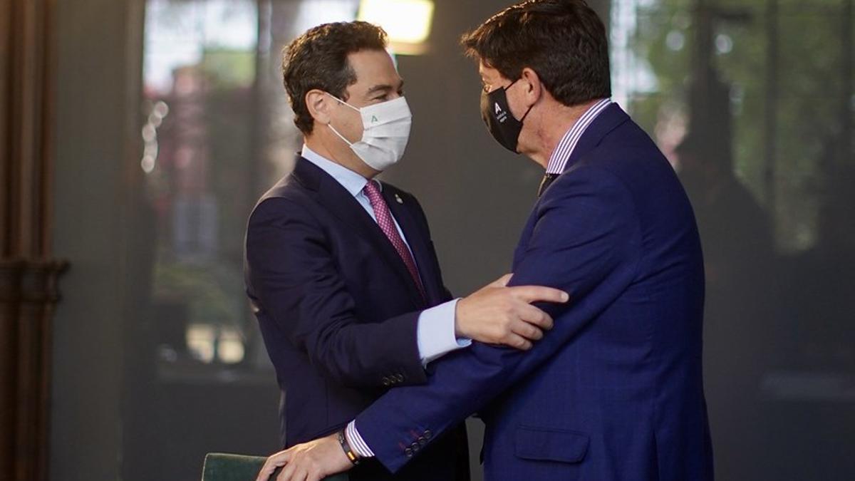 El presidente andaluz, Juanma Moreno Bonilla, con el vicepresidente Juan Marín.