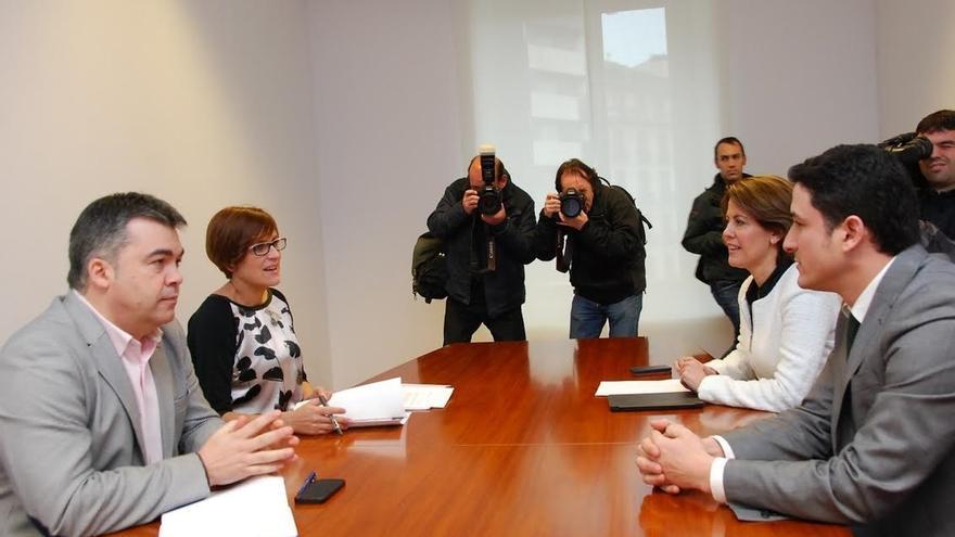 """Chivite traslada a UPN que quiere un """"cambio"""" y Barcina dice que el próximo Gobierno estará liderado por UPN o Bildu"""