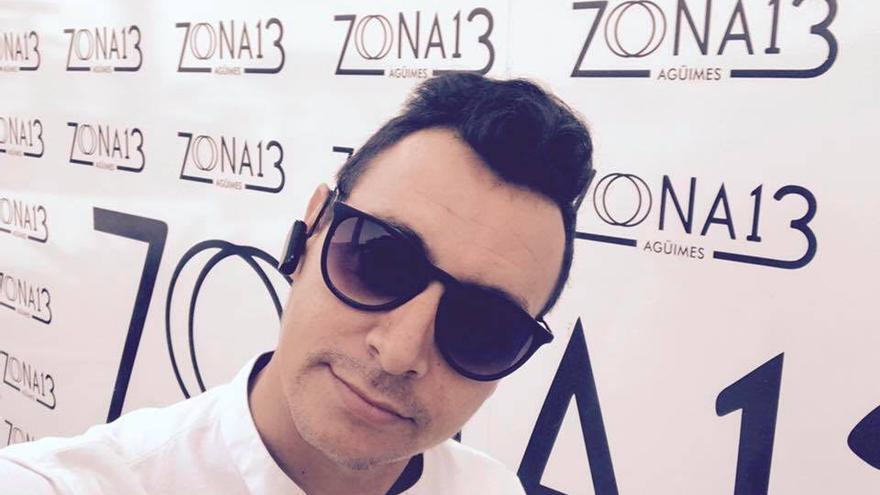 Norberto Jonay Pérez Peña en un photocall del local Zona 13.