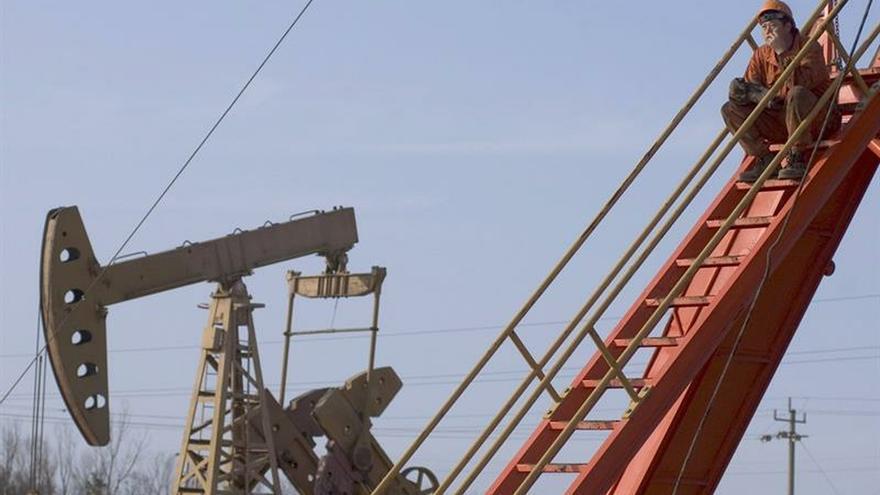 Whiting Petroleum, cuyas acciones en los últimos meses habían perdido cerca del 90 % de su valor, se encamina ahora a una reestructuración durante la que esperan poder continuar con algunas operaciones de negocio y cumplir con sus obligaciones financieras.
