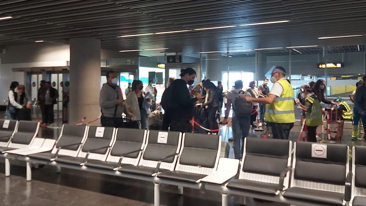 Control de pasajeros en el Aeropuerto de Gran Canaria.