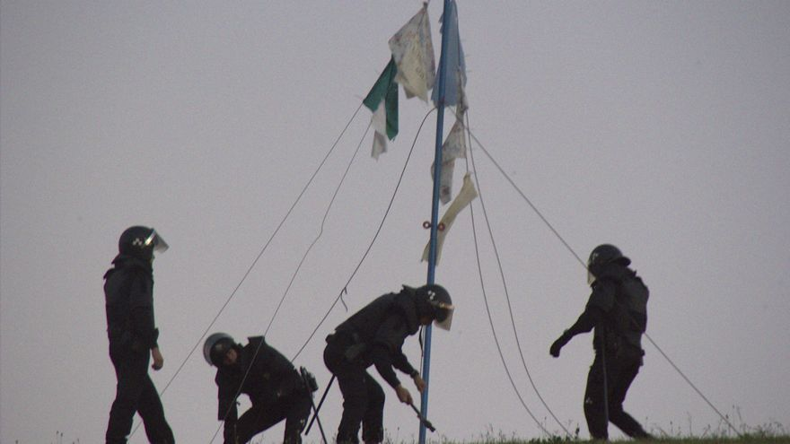 La policía recoge la acampada de parados / Foto: Isabel Montenegro