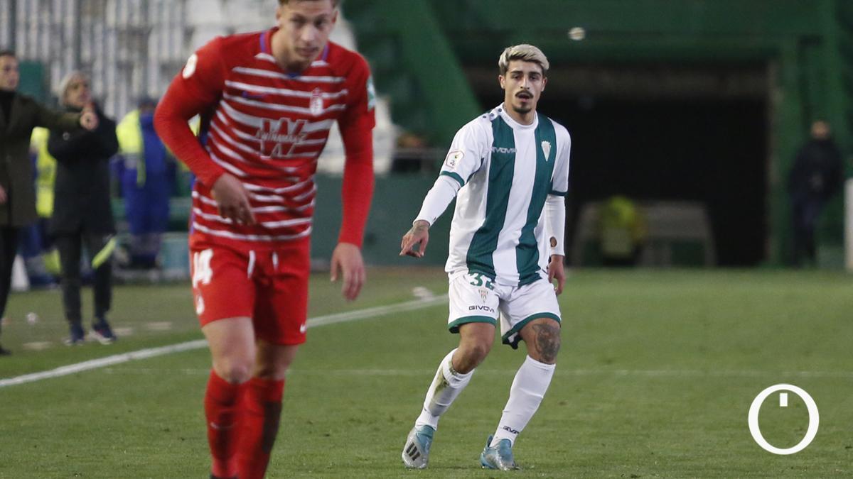 Álex Meléndez, en su debut con el Córdoba.