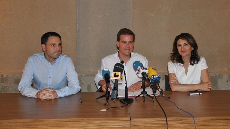 Miquel Lorente (EU), Roger Cerdà (PSPV) y Cristina Suñer (Compromís)