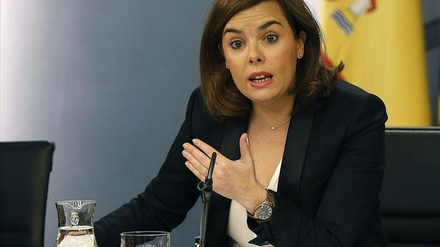 Sáenz de Santamaría anuncia un gabinete de crisis por el avión siniestrado