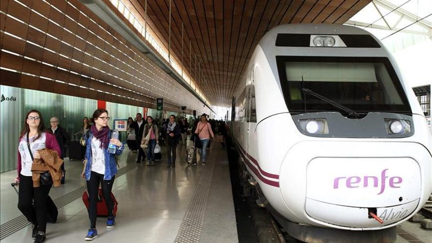 Renfe bate el récord de viajeros del AVE con 125.467 usuarios