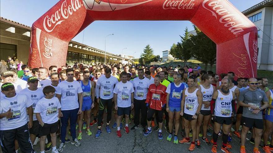 Unos 700 atletas honran a policías de España y Colombia muertos en servicio