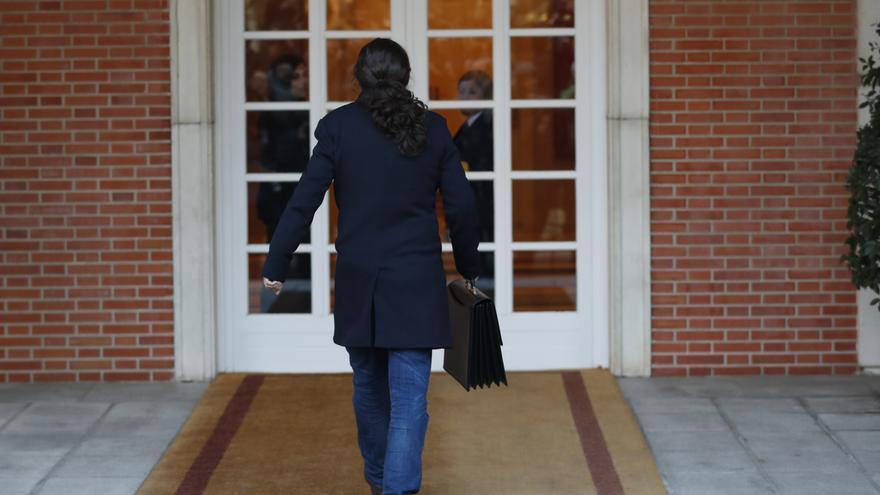 Pablo Iglesias llegando a Moncloa para la primera reunión del Consejo de Ministros.