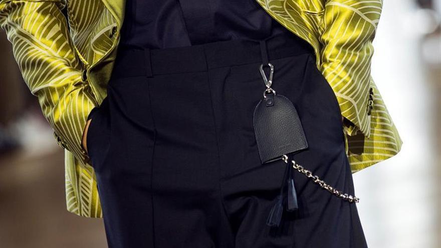 París busca reinventar el fondo de armario masculino en la Semana de la Moda