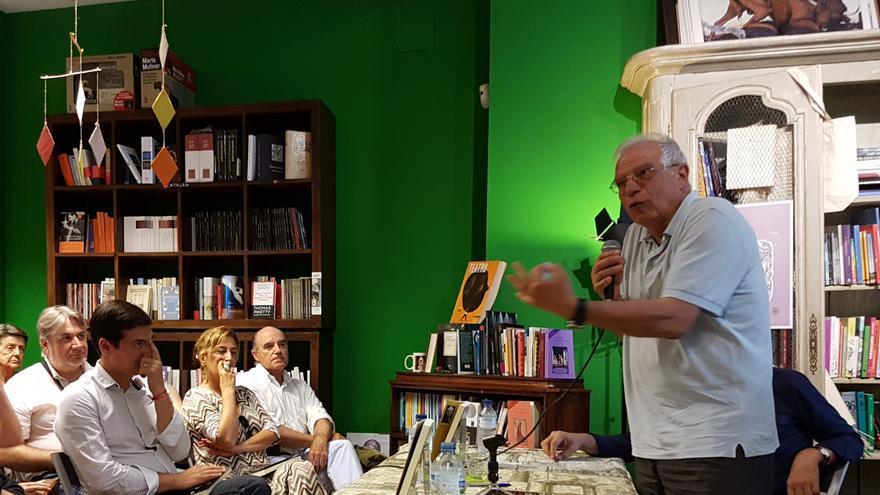 Josep Borrell en la presentación de 'Los idus de octubre'