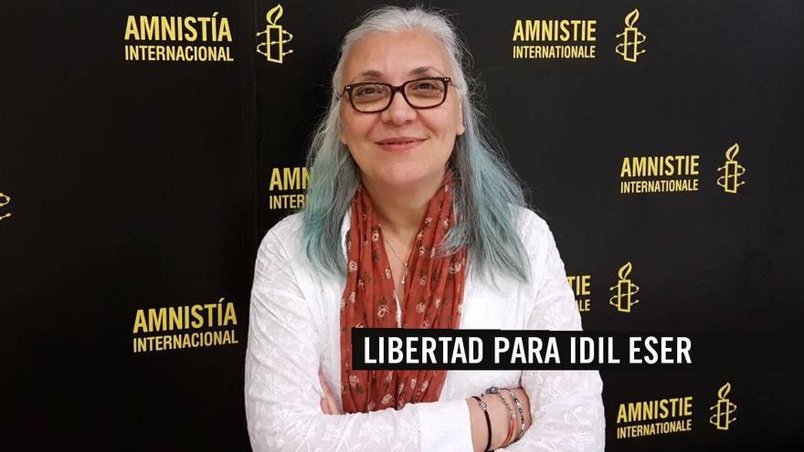 La directora de la rama turca de Amnistía Internacional, Idil Eser, detenida en Turquía.