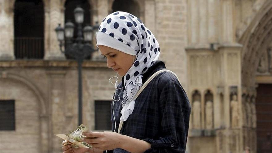 Musulmanes piden el voto para partidos que respeten sus derechos y religión
