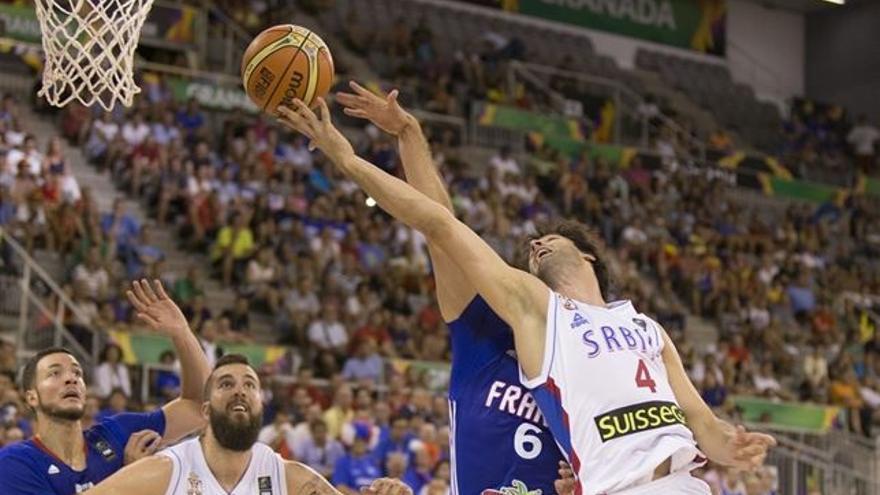 Serbia aguanta el empuje de Francia y se cita con Estados Unidos en la final (FIBA).