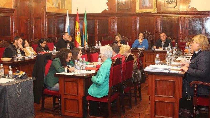 En la imagen, una sesión del pleno del Ayuntamiento de Los Llanos de Aridane.