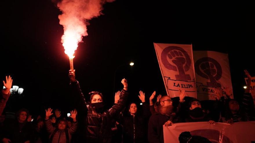 Jóvenes durante la marcha feminista de Madrid en el Día de contra la Violencia Machista