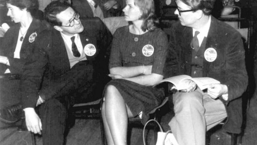 Margaret y Brian Aldiss con Hilary y Kingsley Amis, 1961