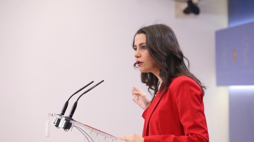 """Arrimadas evita comentar las críticas de Igea y dice que quiere relanzar Ciudadanos con actitud """"constructiva"""""""