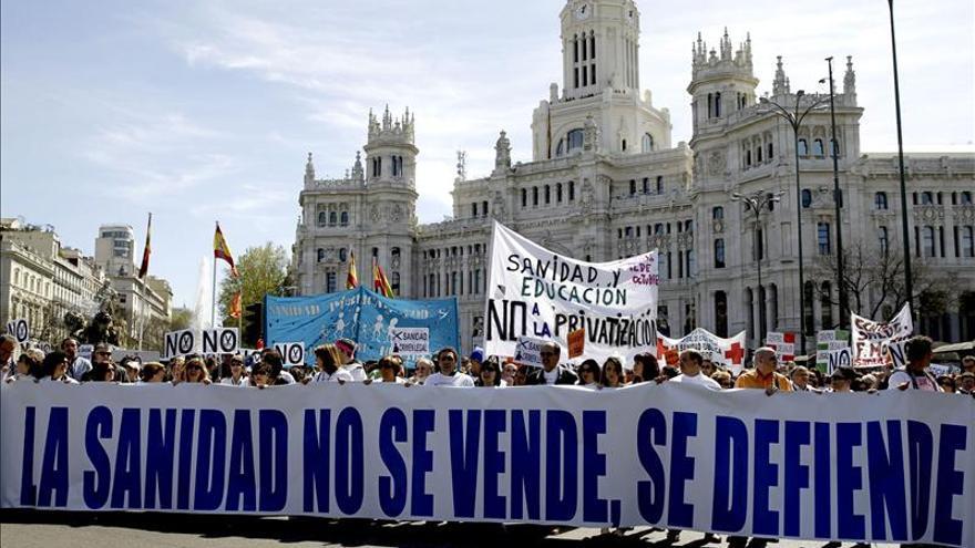 Los madrileños pueden expresar su opinión sobre la privatización de la gestión sanitaria