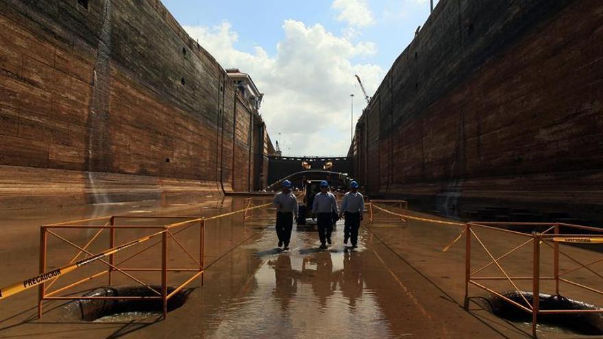 Reparación de muro de esclusa del Canal de Panamá durará al menos 5 semanas