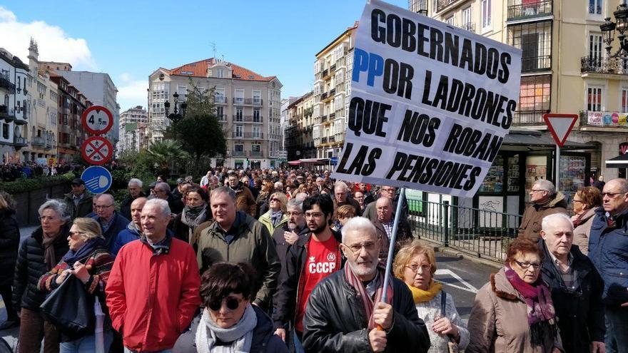 Movilización de los pensionistas en Santander. | ANDRÉS HERMOSA