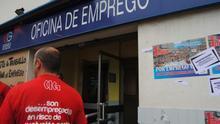 Los datos evaporan el diferencial positivo del paro en Galicia, que sube en 7.500 personas
