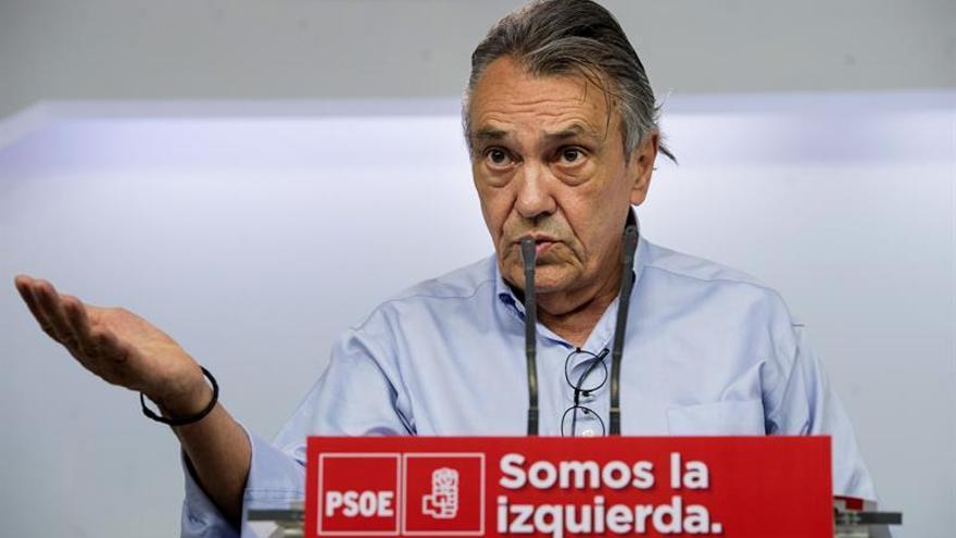 El PSOE aboga por una subida selectiva de impuestos y ve irresponsable bajar el IRPF