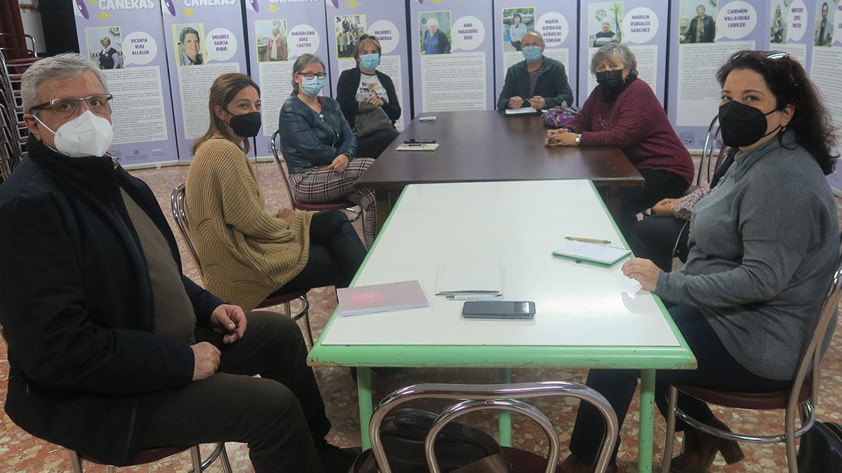 Reunión del grupo municipal socialista con asociaciones de Cañero.