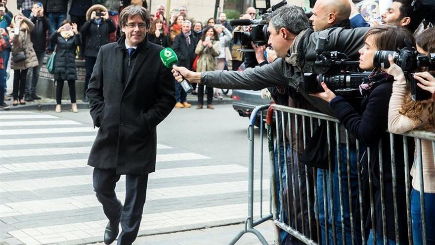 Puigdemont, protagonista en la prensa belga mientras se tramita su euroorden