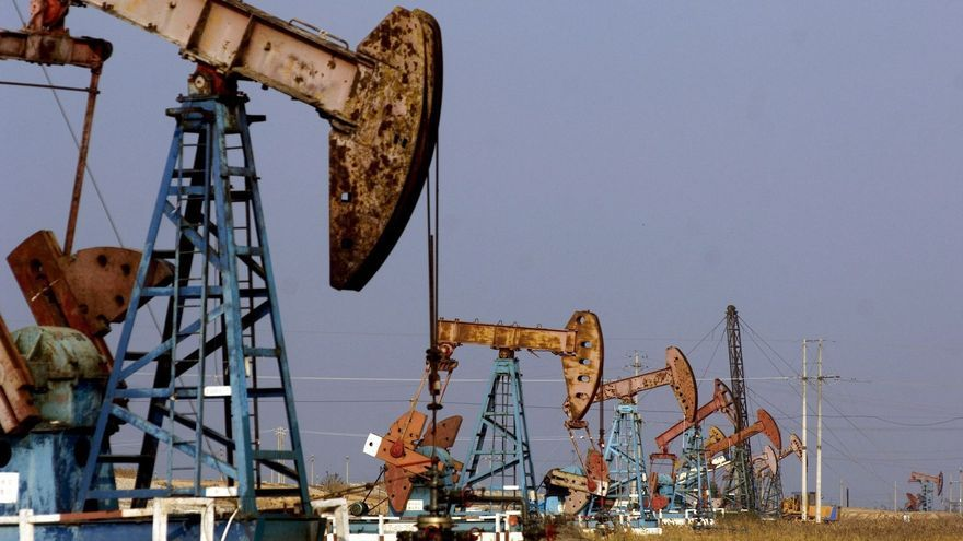 El petróleo de Texas abre con un alza del 0,49 %, hasta los 53,03 dólares